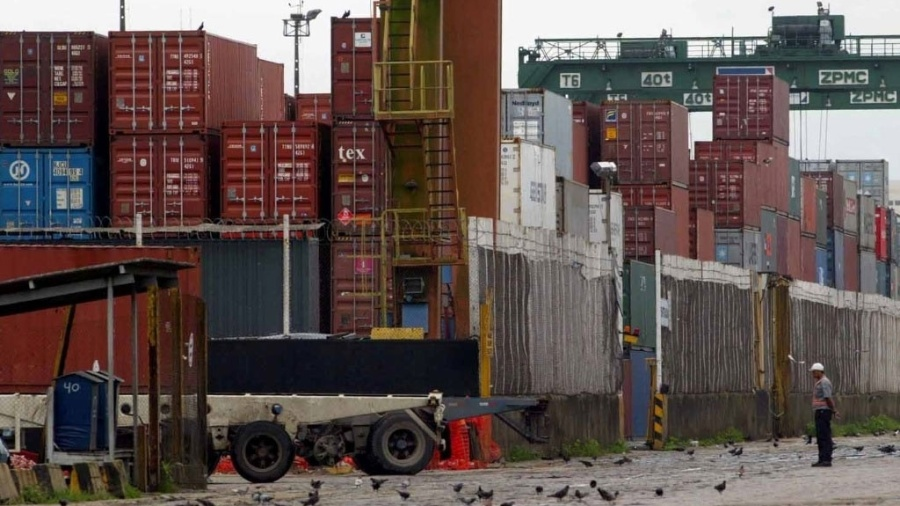 Ao todo, três áreas foram leiloadas nos portos de Santos (foto), em São Paulo, e Paranaguá, no Paraná - Juca Varella/Folha Imagem