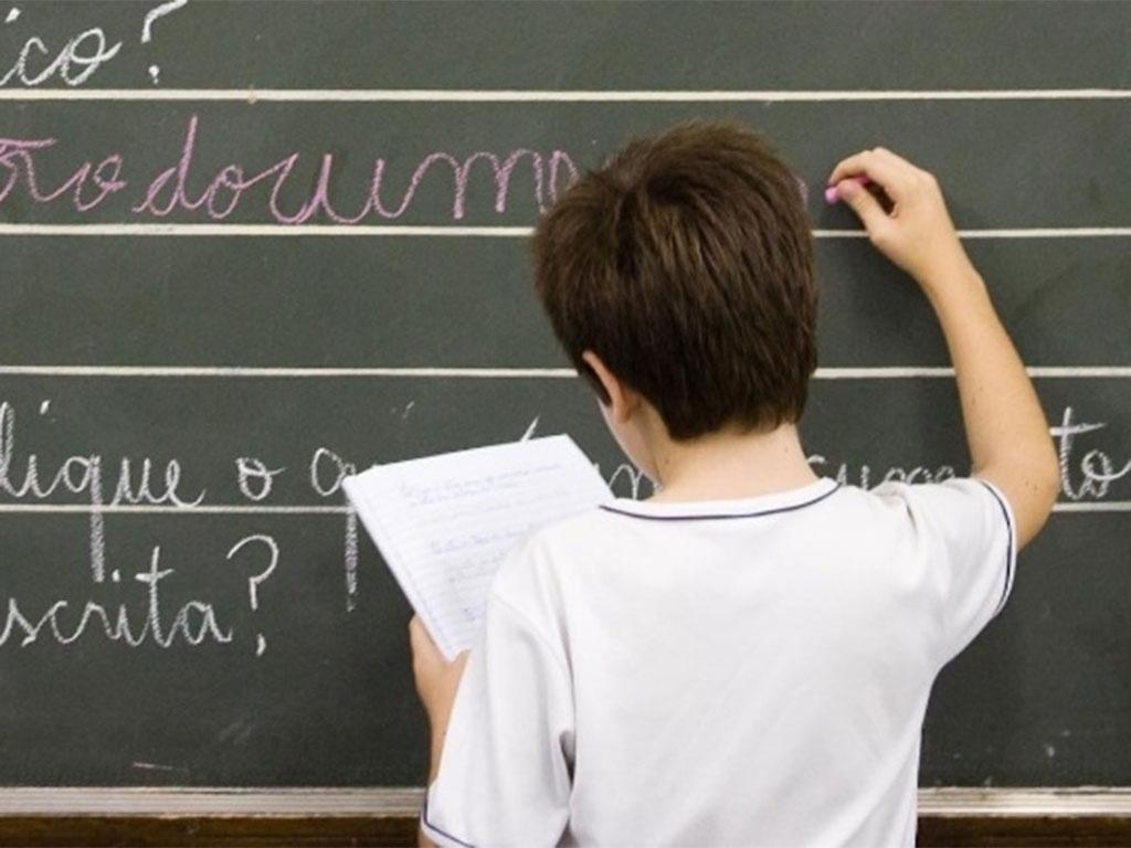 Só 7,3% dos alunos atingem aprendizado adequado em matemática