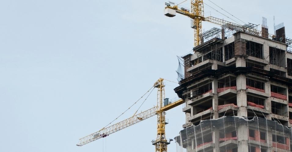 Mídia indoor; TV; wap; celular; prédio; construção, edifício, mercado; imobiliário, economia, imobiliária, casa, habitação, verticalização, zoneamento; especulação; comercial; construção civil