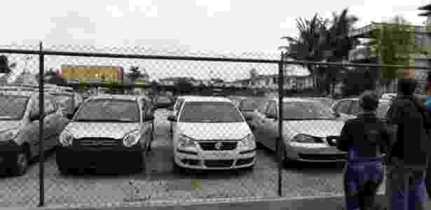 Loja estatal de carros em Cuba; governo controla venda e compra de veículos no país caribenho - Reuters - Reuters
