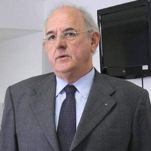 Atan de Azevedo Barbosa é primo do ex-ministro Nelson Jobim (foto), que presidiu o Supremo