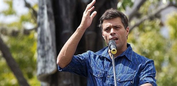 """O líder da oposição Leopoldo Lopez está preso desde 2014 acusado de """"incitação à violência"""""""