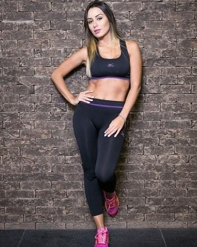 Letícia Santiago - ex-BBB - abre do álbum