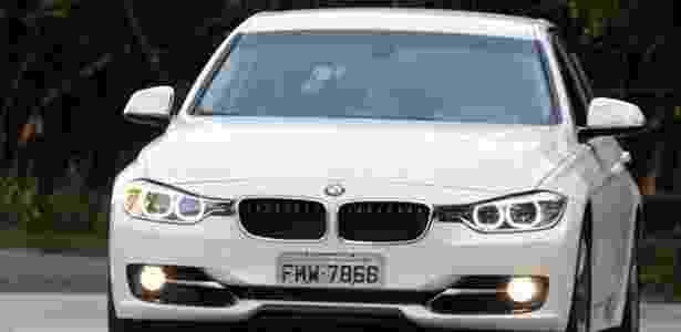 BMW Série 3 ActiveFlex é primeiro modelo de luxo do mundo a usar tanto gasolina quanto etanol em motor turbo - Murilo Góes/UOL - Murilo Góes/UOL