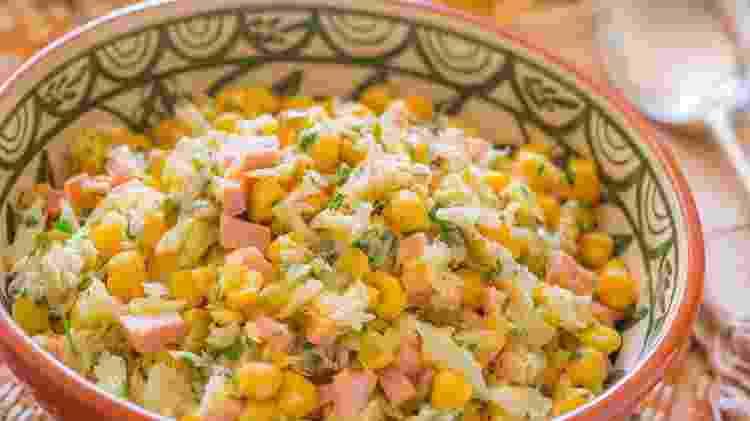 Salada quente de bacalhau e grão-de-bico - Gladstone Campos/Divulgação - Gladstone Campos/Divulgação