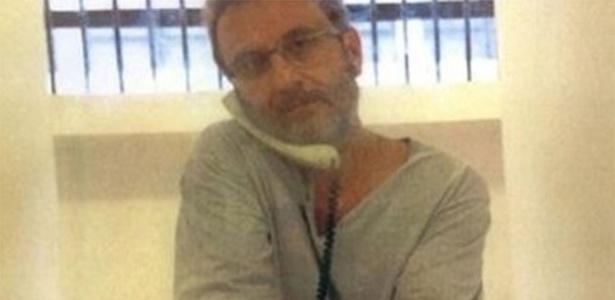 24.abr.2014 - O doleiro Alberto Youssef na prisão - Reprodução