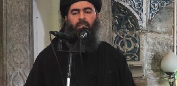 líder do grupo radical Estado Islâmico, Abu Bakr al Bagdadi, em imagem de Julho de 2014 - Reprodução