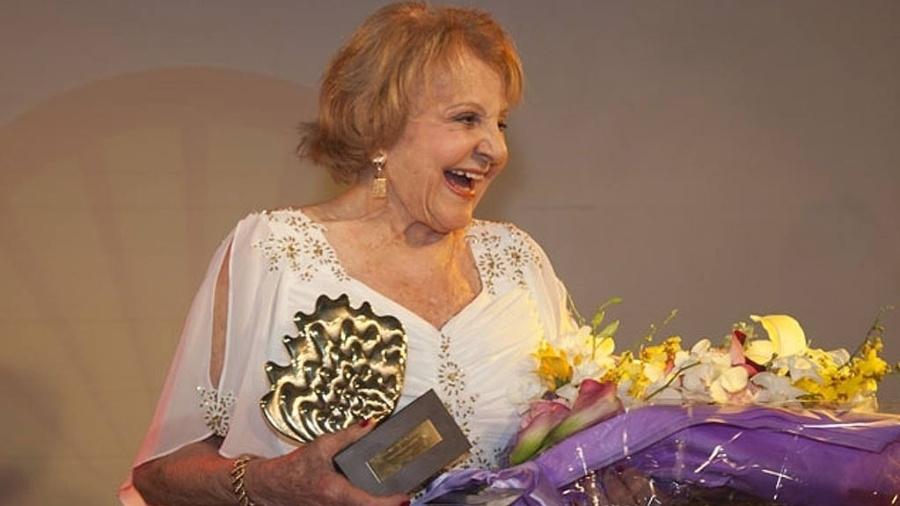 Atriz Eva Todor é homenageada na entrega do 22º Prêmio Shell, em 2010 - Divulgação