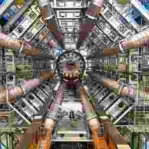 Grande Colisor de Hádrons ou LHC (Large Hadrons Collider), o superacelerador de partículas que fica no Cern, a Organização Européia para a Pesquisa Nuclear - Divulgação/Cern