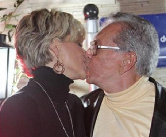 Carlos Alberto de Nóbrega volta a namorar ex-mulher Andrea