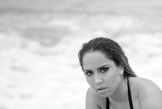 Ensaios - Mulher Melão na praia