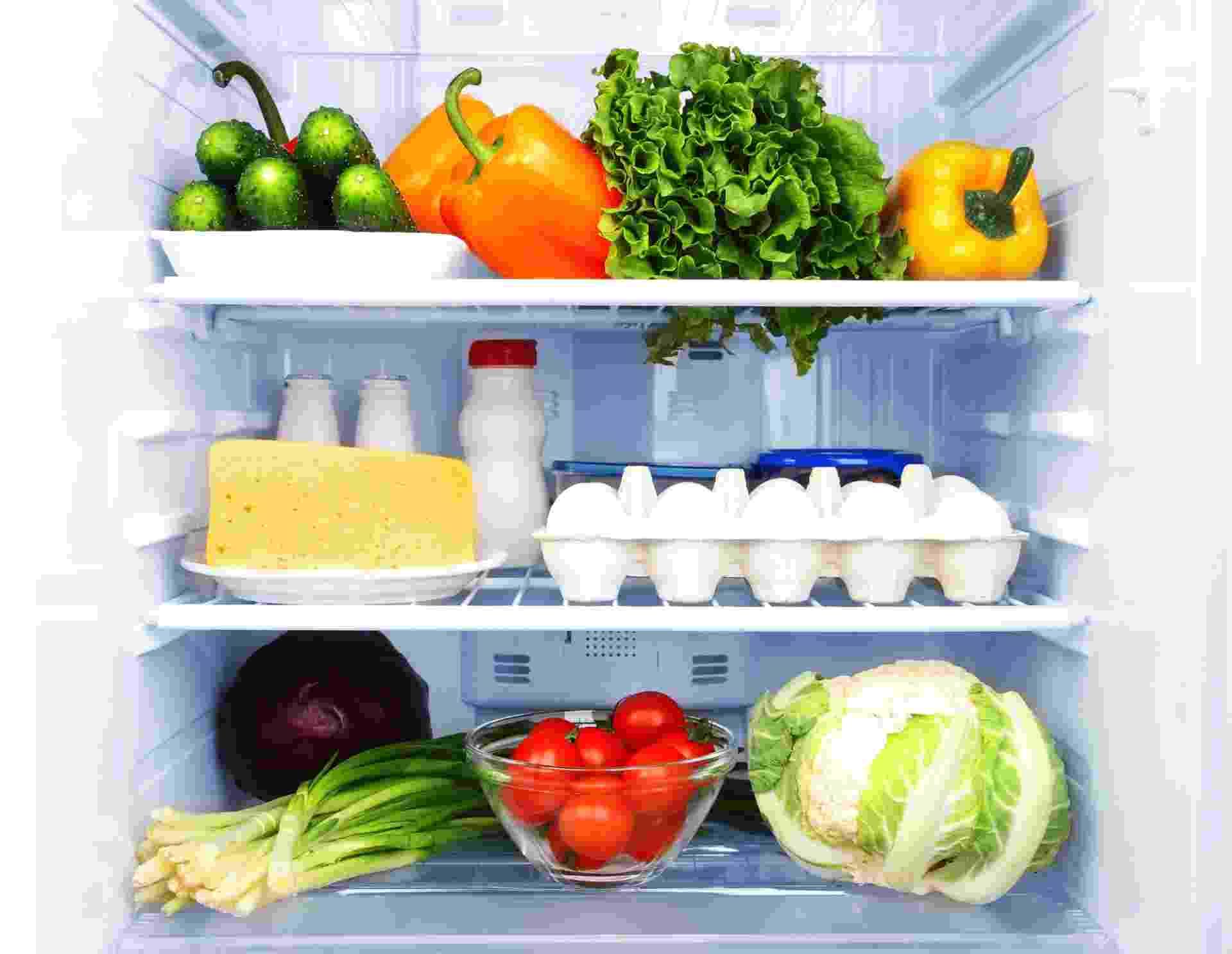 Geladeira com alimentos - Getty Images