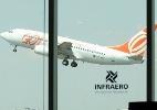 Aéreas são condenadas a indenizar adolescente que passou 9 horas no aeroporto (Foto: Antônio Gaudério/Folhapress)