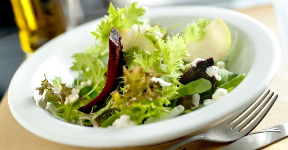 Salada de Beterraba, Queijo de Cabra e Maçã Verde