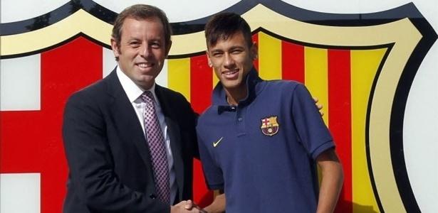 Ex-presidente do Barça, Sandro Rosell, na apresentação de Neymar em 2013