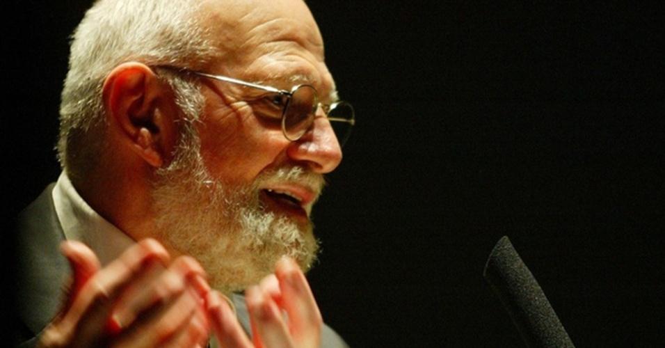 O neurologista norte-americano Oliver Sacks,durante palestra no teatro Alfa, na tarde de 19.05.2005.
