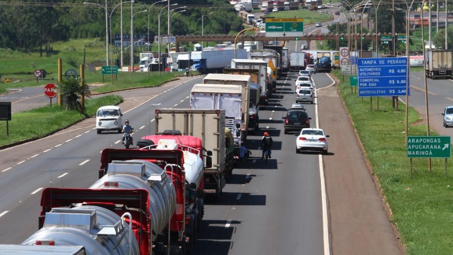 Greve de caminhoneiros no pedagio de Arapongas na BR 369 que liga a Maringa em 2018 - Roberto Custodio/Gazeta do Povo