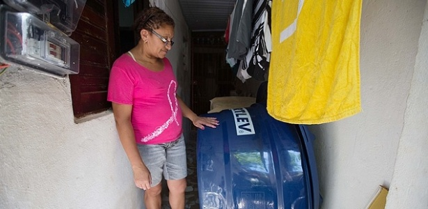 Premiado por gestão hídrica, Alckmin atrasa entrega de caixas-d'água em SP - Danilo Verpa/Folhapress
