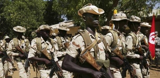 Soldados do Chade participam de exercício organizado por militares dos EUA em 2015