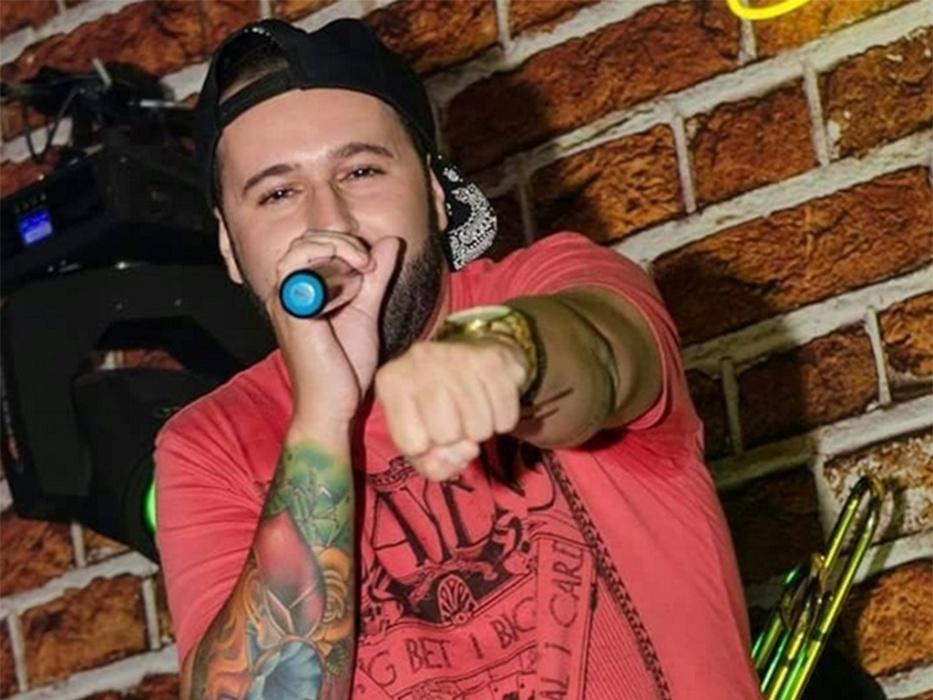 Dan Nunes, vocalista da banda Tr3vo, foi morto após show em um bar em Santos (SP)