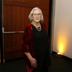 Bárbara Heliodora em homenagem aos 54 anos de trabalho na crítica no 24º Prêmio Shell de Teatro, no Rio, 2012 - AgNews