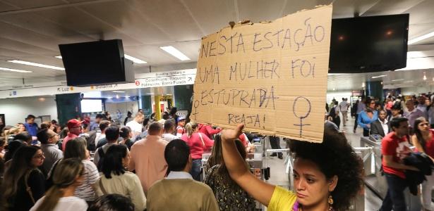 Protesto em 2015 na estação República após uma atendente ser estuprada no local