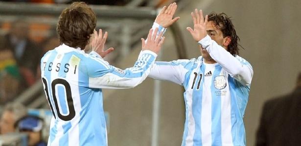 Tevez elogiou a habilidade de superar a marcação adversária de Lionel Messi - Flávio Florido/UOL