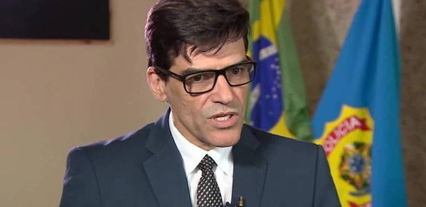 Ministro do meio ambiente   Delegado da PF que pediu investigação contra Salles é transferido para o RJ