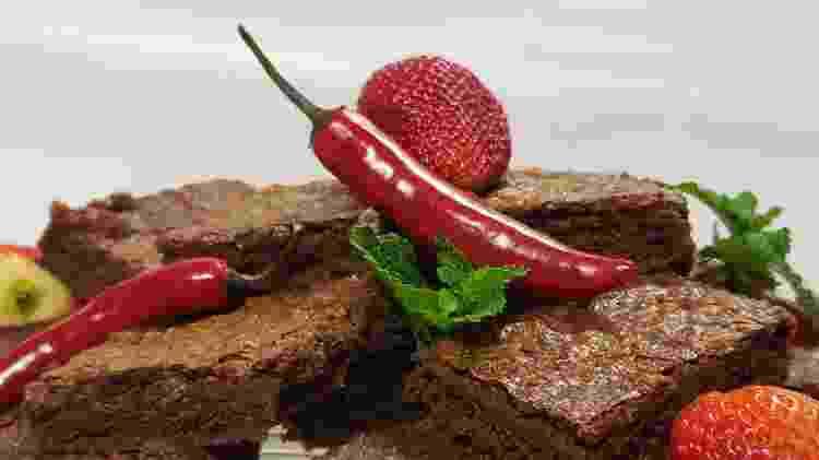 Brownie com geleia de morango com pimenta - Henrique Escabia