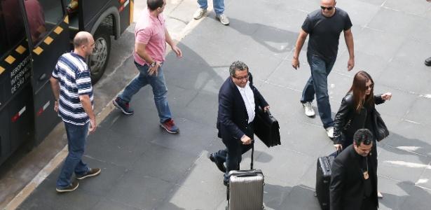 João Santana chegou ao Brasil com a mulher, Mônica Moura, na quarta-feira (23)