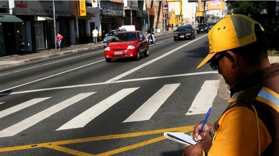 São Paulo tem novo limite de velocidade em 24 vias, entre ruas e avenidas - Folha Imagem