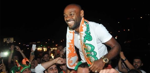 Vagner Love vive grande fase na Turquia, mas se interessa por volta ao Corinthians