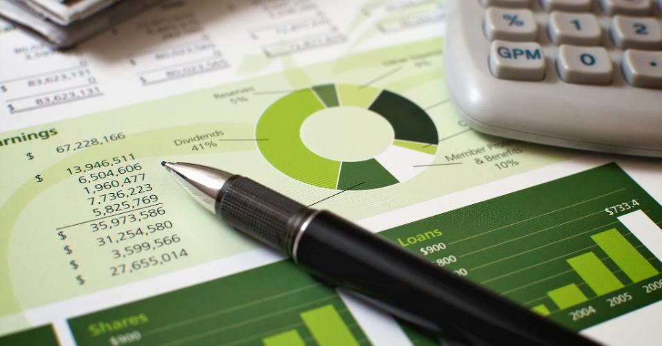 Economia, orçamento, finanças, dívidas, planilha, calculadora, endividamento