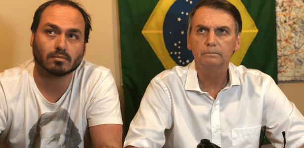 Família Bolsonaro   Livro relata sumiços e chantagens emocionais de Carlos com o pai