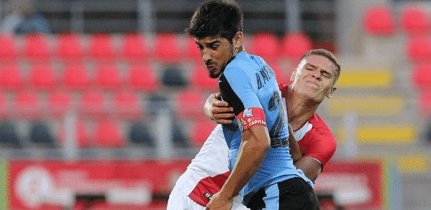 Bruno Méndez é avaliado como líder em campo e zagueiro de boa velocidade - Claudio Reyes