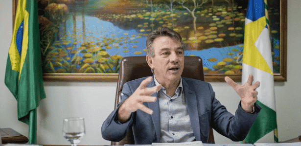 Antonio Denarium (PSL) afirmou que, por conta dos impasses na Venezuela, o estado está tendo de utilizar energia proveniente de termoelétricas - Avener Prado/Folhapress