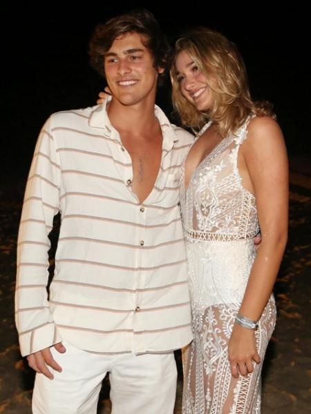 O ator Bruno Montaleone e a namorada Sasha - Imagem/Léo Lemos