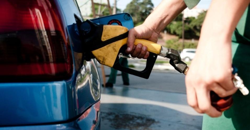Mídia Indoor; TV; wap; celular; Combustível; posto, gasolina, álcool, etanol, abastecimento, carro, flex, veículo, preço, reajuste