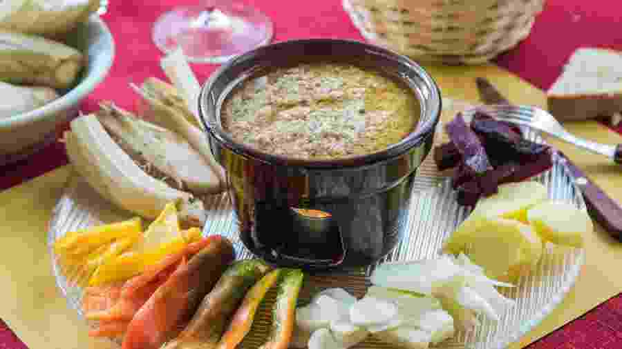 Bagna Cauda, tradicional prato piemontês - Getty Images/iStockphoto