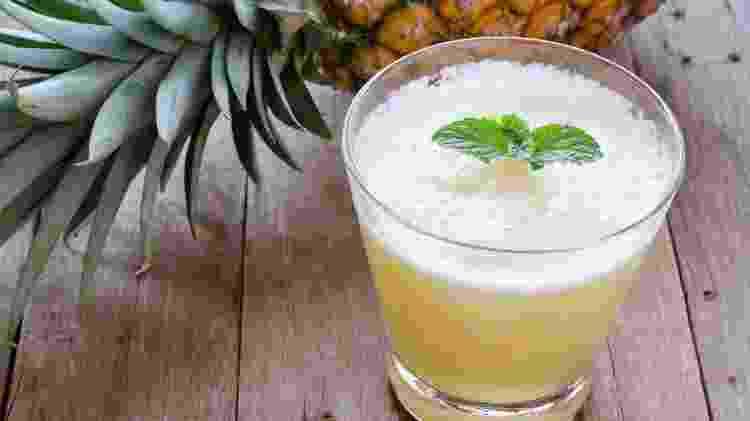 Suco detox de abacaxi e salsão - Divulgação - Divulgação
