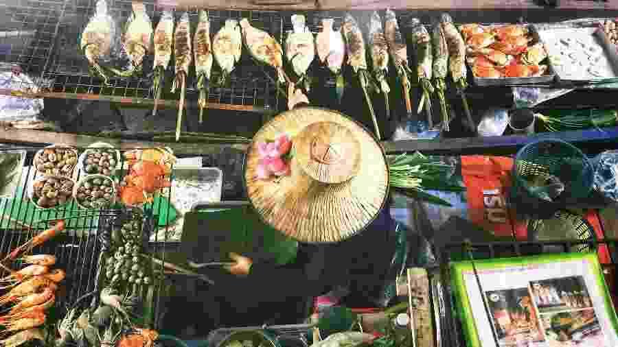 As opções para comer em Bangcoc são tão variadas e coloridas como a culinária tailandesa - Unsplash/Lisheng Chang