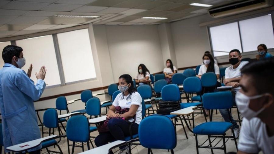 As redes estaduais e municipais de ensino no Brasil devem perder entre R$ 13 bilhões e R$ 40 bilhões neste ano - Divulgação/Sindicato das escolas particulares de Manaus