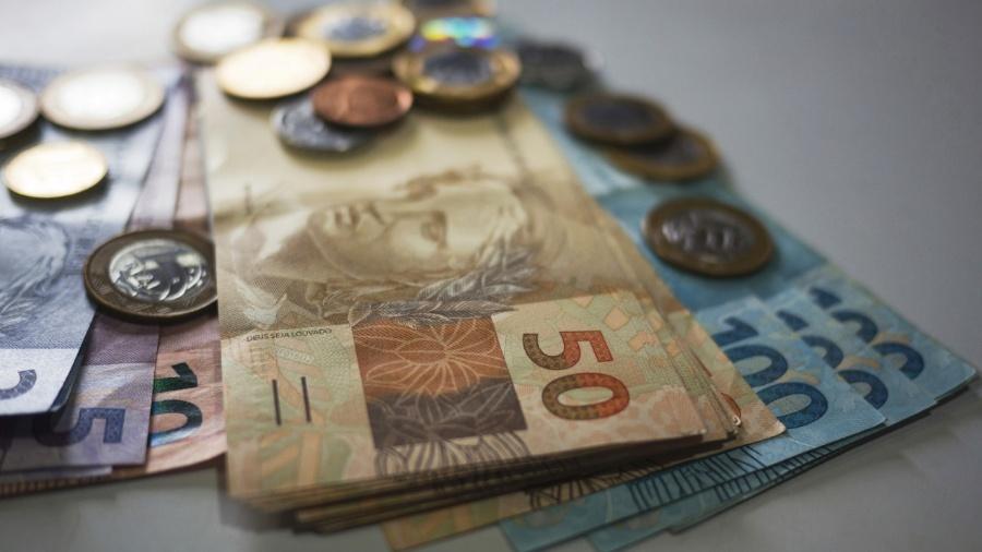 Dinheiro, salário, real, reais, cédula, moeda, remuneração, poder de compra, consumo, economia, reajuste salarial - Nelson A. Ishikawa/iStock
