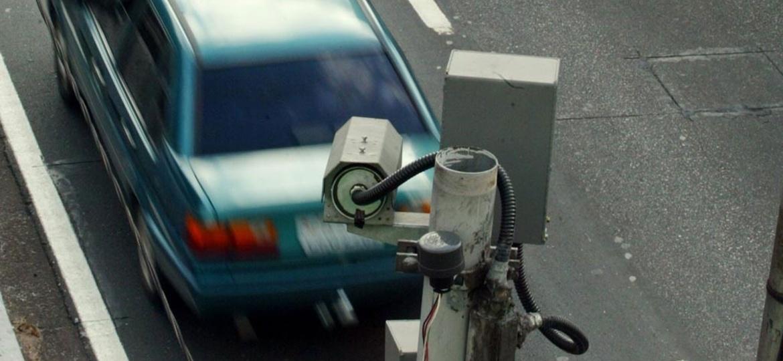 Aparelhos que medem velocidade média funcionam em quatro vias da capital - Fernando Donasci/Folha Imagem