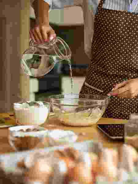 Fique de olho nas medidas e na temperatura dos ingredientes - iStock - iStock