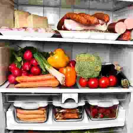 Verduras, legumes, carnes, queijos, alimentos prontos e outros vão na geladeira - iStock