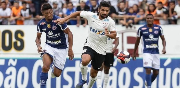 Meia Guilherme foi emprestado pelo Corinthians ao Atlético e não poderá atuar pelo Furacão