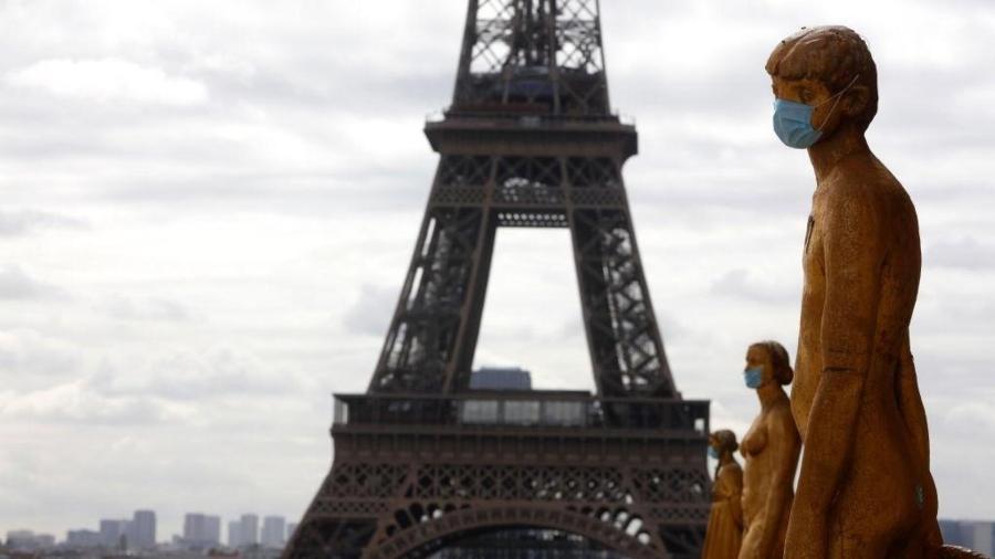 França abre vacinação para todos, sem distinção de idade - Mehdi Taamallah/NurPhoto via Getty Images