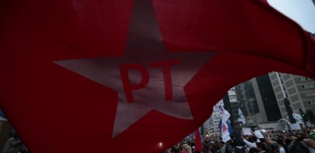 PT foi abalado por grave crise econômica e colossal escândalo de corrupção