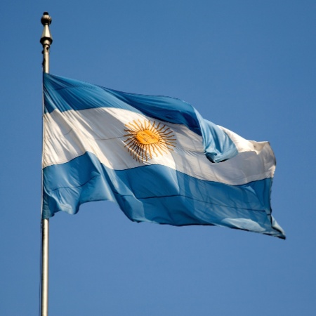 Economia argentina supera previsões para dezembro, mas cai 10% em 2020 - iStock